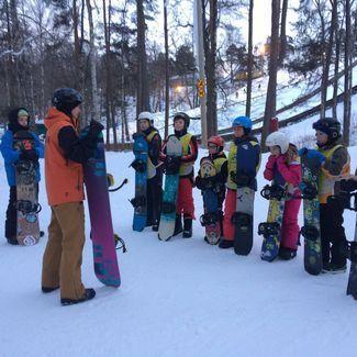 11.03 oodatakse noori suusatajaid ja lumelaudureid Valgehobusemäele