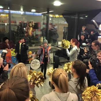 ETV spordiuudised Kelly Sildaru vastuvõtul Tallinna Lennujaamas